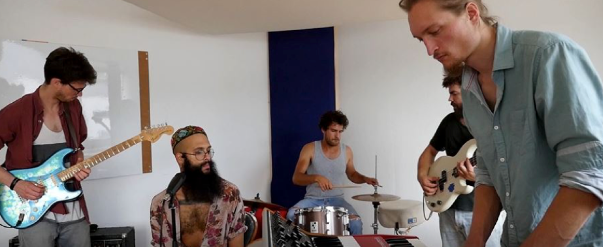 Live-Session von Cats & Breakkies mit Ahmed Eid